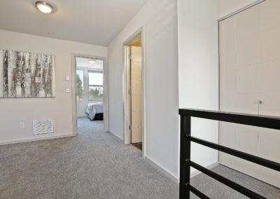 1520 upstairs foyer