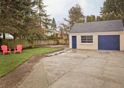 1721 garage and yard