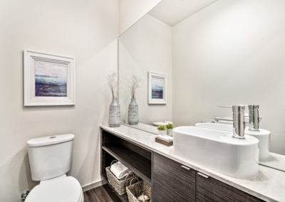 15425 Bathroom 3