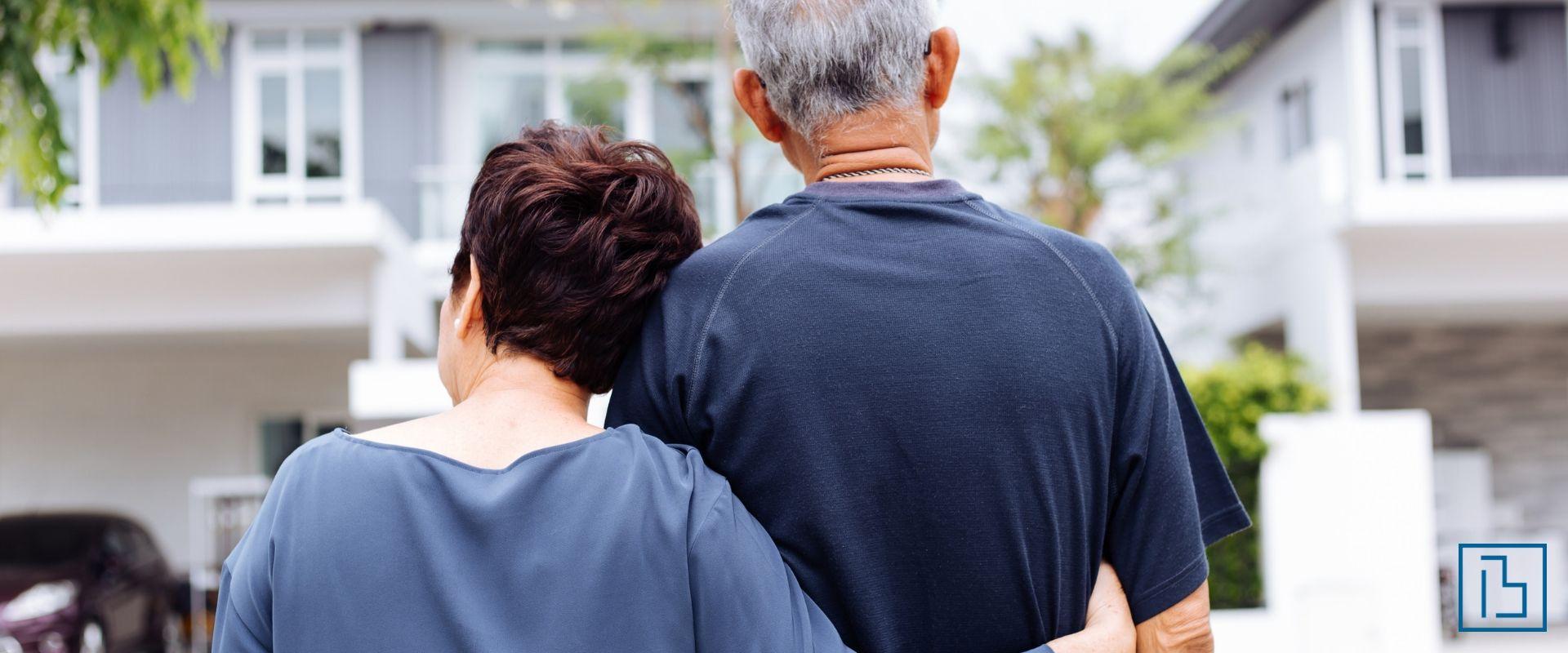helping elderly relative sell house